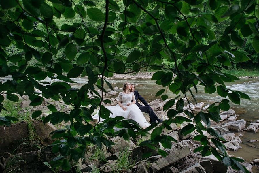 Wedding photographer Yarema Ostrovskiy (Yarema). Photo of 09.08.2016