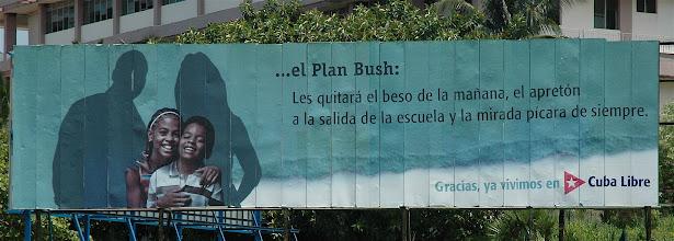 Photo: billboard in cuba. Tracey Eaton photo.