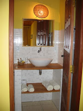 Photo: Yellow bathroom/banheiro Amarelo