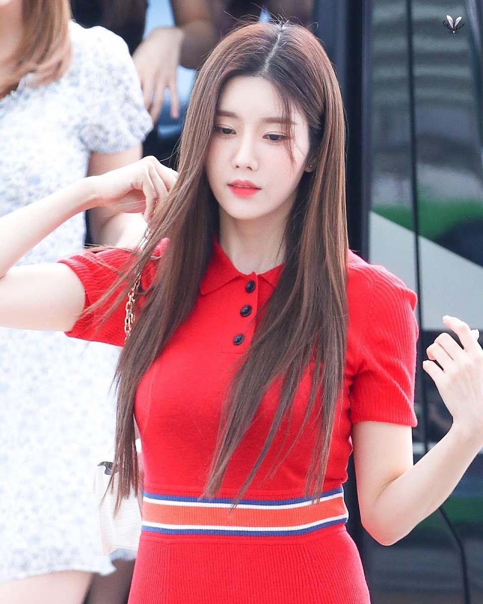 eunbi red dress3