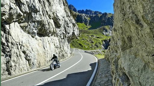 voyage moto en Aveyron