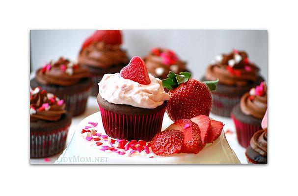 Chocolate Fudge Strawberry Cream Filled Cupcakes Recipe