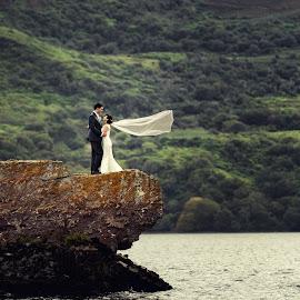 by Konrad Świtlicki-Paprocki - Wedding Bride & Groom