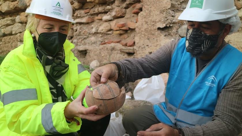Los trabajos han puesto al descubierto potentes estructuras en torno a la muralla norte, a la altura del segundo recinto..