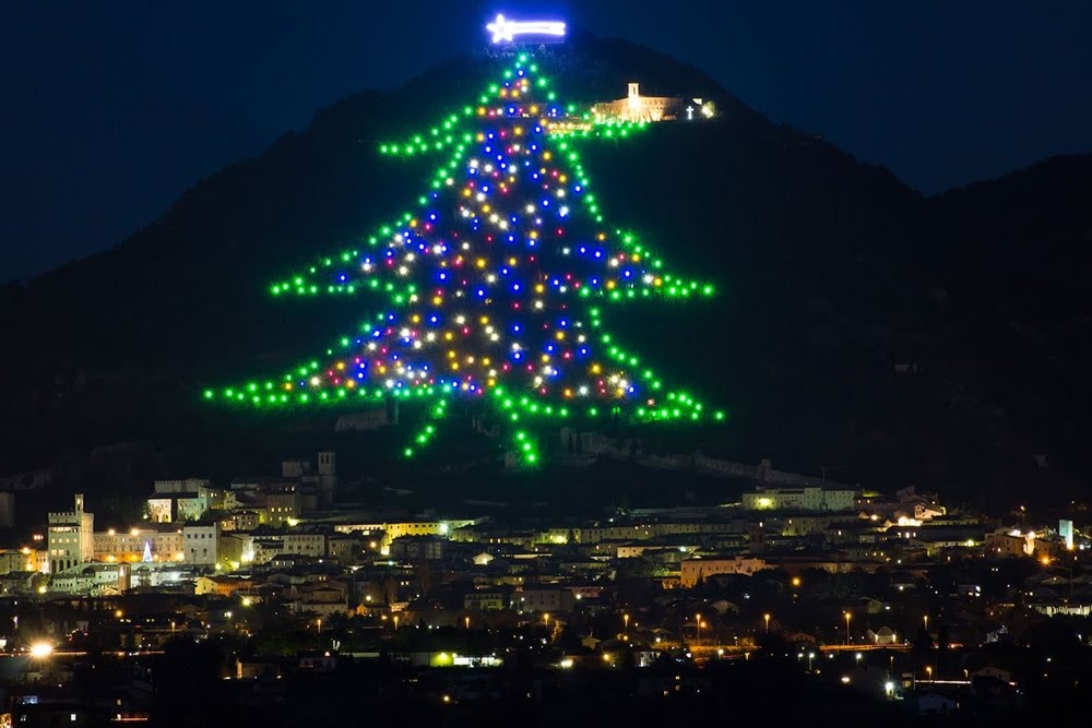 A árvore de Natal do Monte Ingino