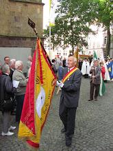 Photo: Einzug mit GGV-Fahne zur Glatzer Wallfahrt