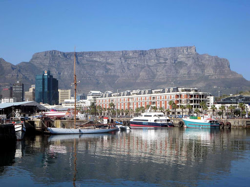 Cape-Town-waterfront - The historic Victoria and Albert Waterfront in Cape Town has been completely redeveloped with marinas, wharfs, shops, hotels, restaurants and an aquarium.