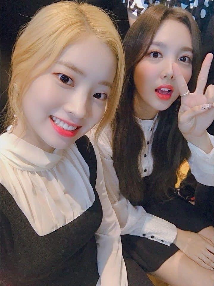 Dahyun & Nayeon Twice 181021 @twicetagram