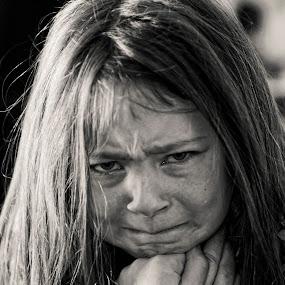 Tears by Daniel Gaudin - People Street & Candids ( child, girl, black and white, portrait, tears,  )