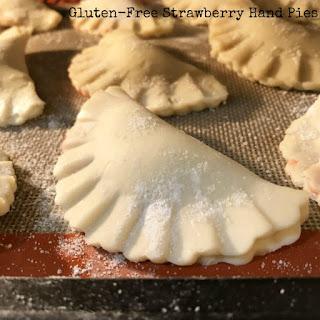 Strawberry Gluten-Free Hand Pies #SundaySupper APRIL 30.