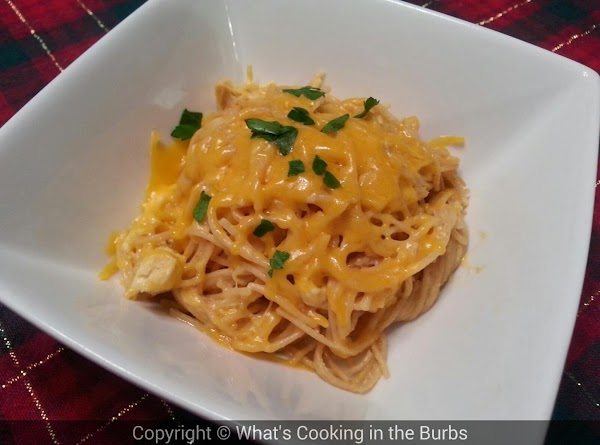 Creamy Crock Pot Cheddar Chicken Spaghetti Recipe