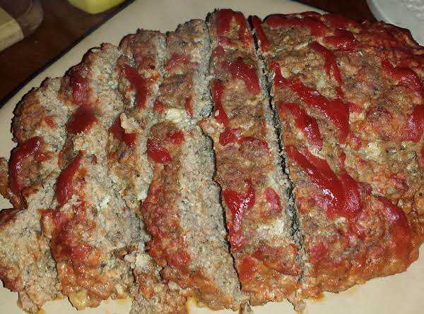 Mama's Tasty Meatloaf W/red Gravy