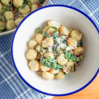 Creamy Bacon Sauce With Spinach For Gnocchi/pasta.