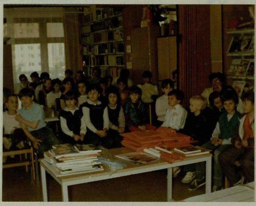 Gyerekek a könyvtárban 1991