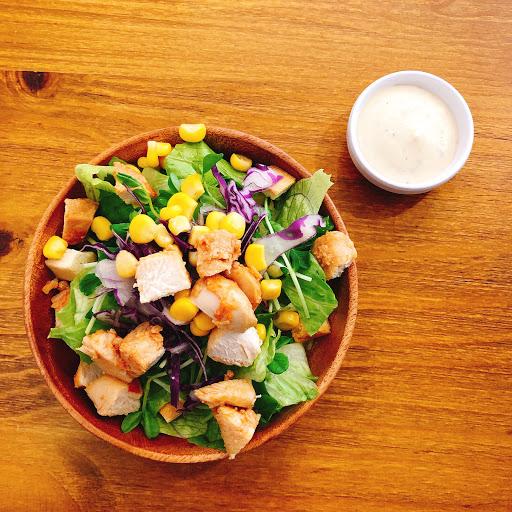 台北。大同 📍歐浮找餐 🥗凱撒雞肉沙拉$55 ◾️◽️◾️◽️◾️◽️◾️◽️◾️◽️ 滿喜歡這間早餐店 跟一般早餐店不一樣 餐點有很多不同選擇❤️ ◾️◽️◾️◽️◾️◽️◾️◽️◾️◽️ 原本