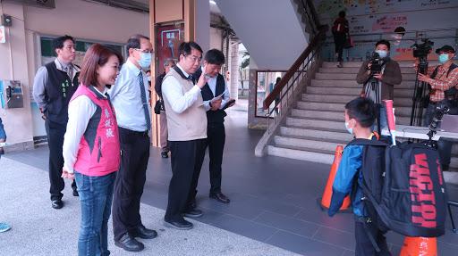 1090325黃偉哲市長視察紅外線體溫量測情形