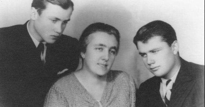 Марія Моравцова з синами
