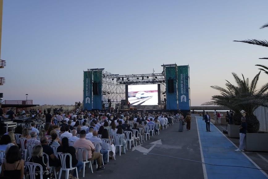El acto se celebró al caer la tarde del viernes en el Muelle de Levante del Puerto de Almería.