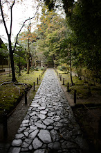 """Photo: This photo appeared in an article on my blog on Aug 28, 2013. この写真は8月28日ブログの記事に載りました。 """"The Effect of a Polarization Filter on Wet Rocks, Etc."""" http://regex.info/blog/2013-08-28/2306"""