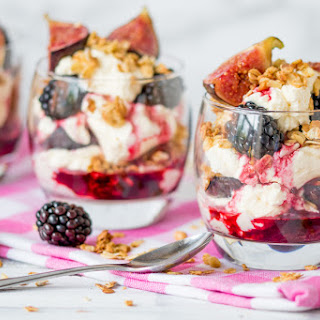 This Whiskey-Infused Blackberry and Fig Cranachan Makes the Perfect Fall Dessert.