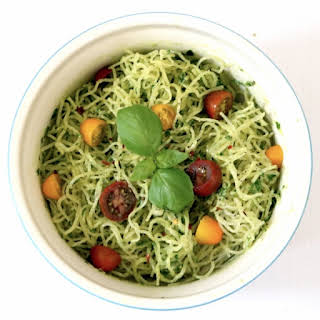 Kelp Noodles With Avocado Pesto (low carb, gluten free, nut free, raw).