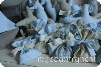 Photo: sacchettini completi con confetti, nastrino e bigliettino