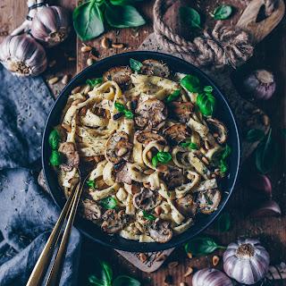 Creamy Mushroom Pasta (Vegan Béchamel Sauce).