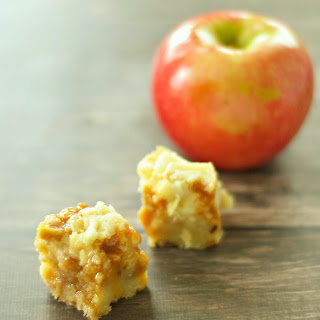 Crockpot Caramel Apple Cheesecake Bites