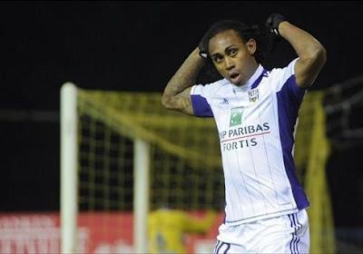 Kanu s'éloigne du Sporting d'Anderlecht