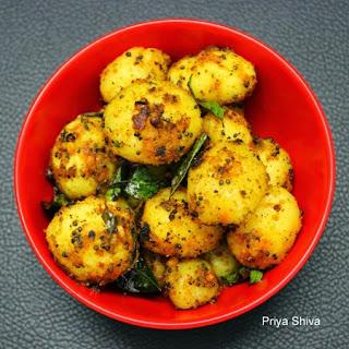 Roasted Baby Potatoes / Urulaikilangu Roast
