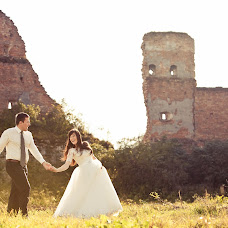Wedding photographer Oksana Kosarevich (OkKos). Photo of 02.11.2014