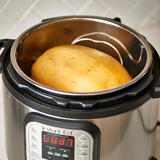 How To Cook Spaghetti Squash in an Instant Pot.