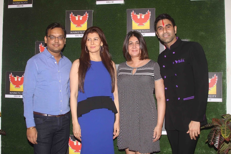 Sangeeta bijlani at Sandip Soparrkar's 4th Indian Dance Week