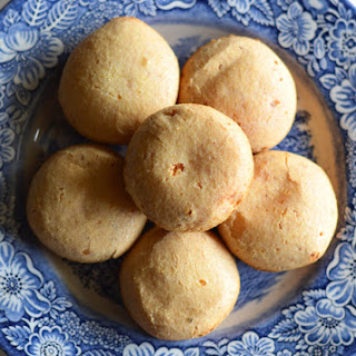 Pão de Queijo (Brazilian Cheese Puffs).
