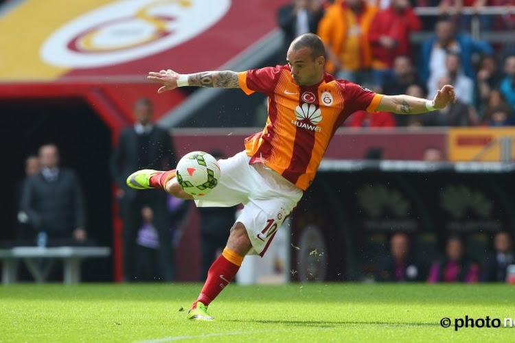 """Sneijder gaat in tegen betichtingen van matchfixing: """"Dit is om te lachen"""""""