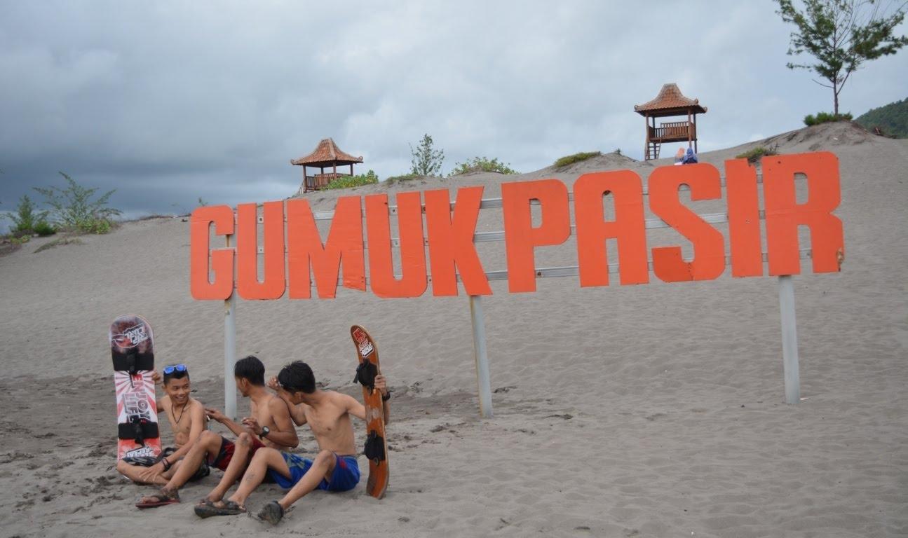 Gumuk Pasir Parangkusumo Yogyakarta