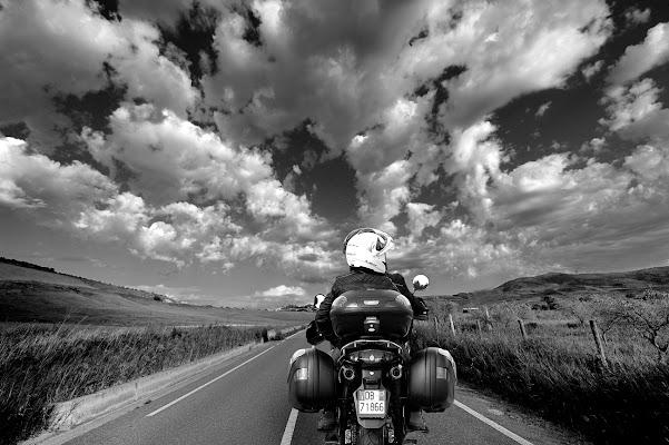 Viaggio tra le nuvole!! di leonardo valeriano