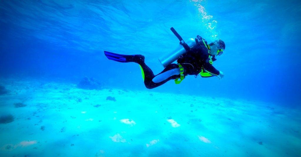 3) Scuba Diving.jpg
