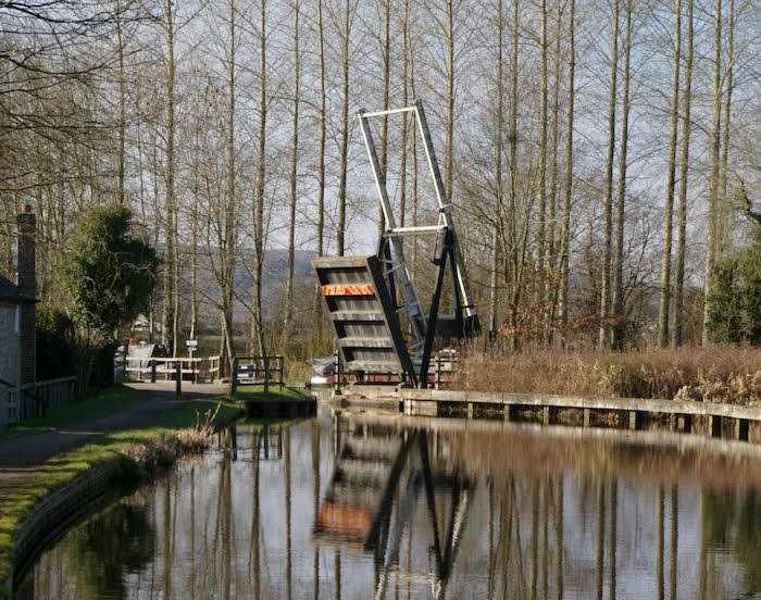 Canal photographic exhibition opens in Newtown