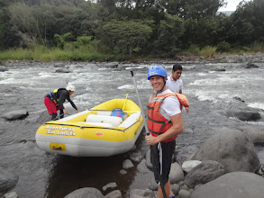 Photo: No tak jo, jdem na to! Tenle raft jsem krotili ve třech lidech - já ossi a průvodce. A výborně jsme si to užili.
