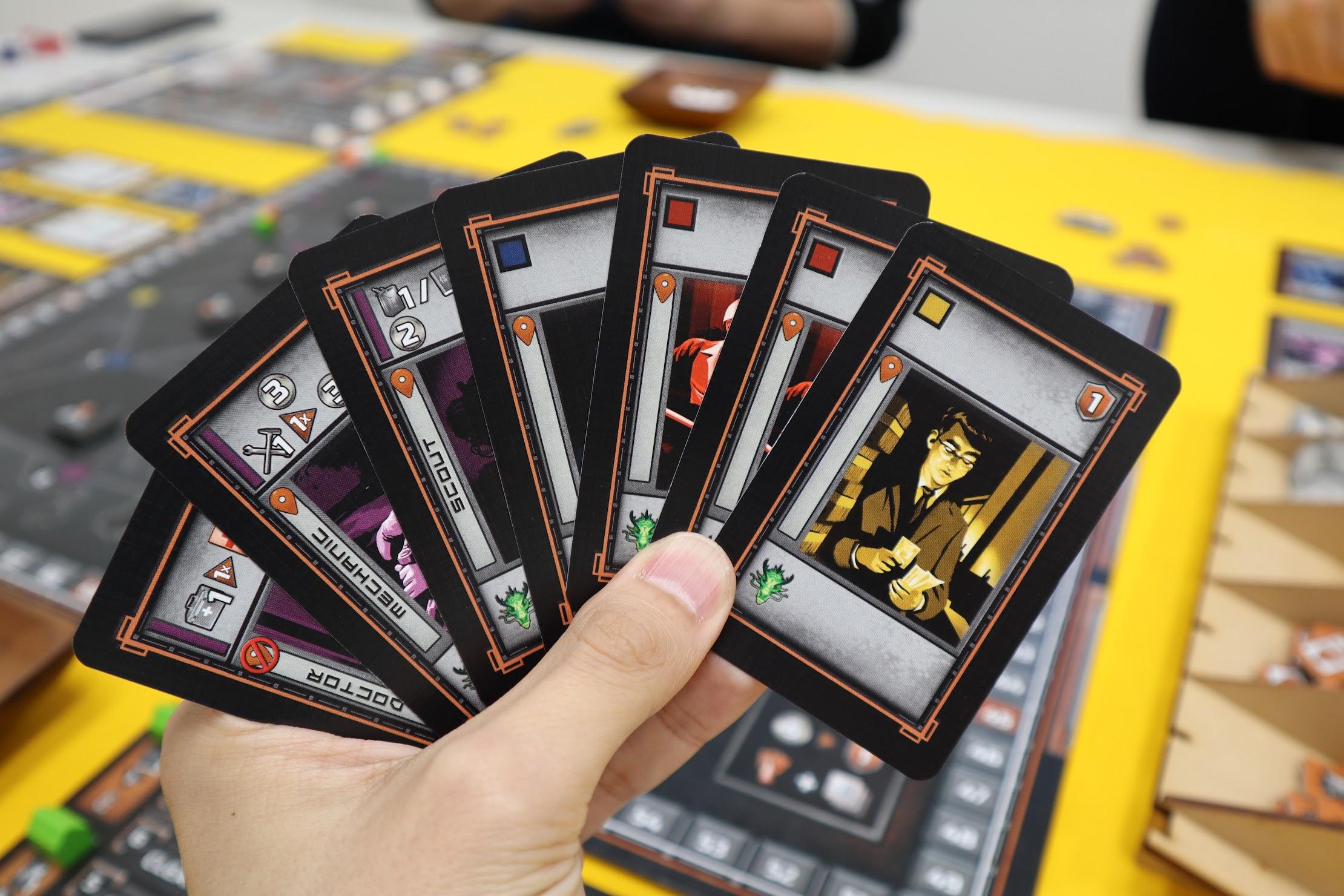 カードプロット|ブラックアウト:香港
