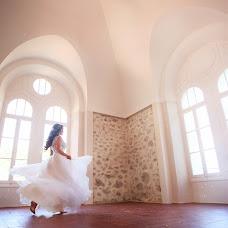 Wedding photographer Anna Gurova (Gura). Photo of 04.01.2019