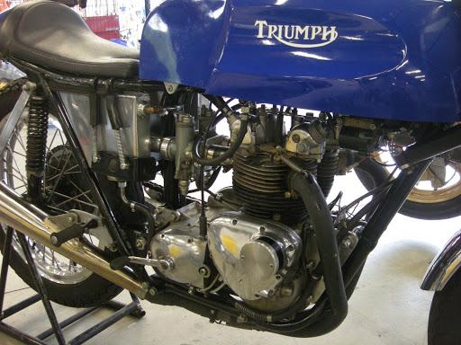 Réplique de 500 Triumph Daytona 1968 présenté par Machines et Moteurs le spécialiste des Triumph Bonneville.