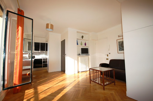 Bright living room at Studio apartment near Eiffel Tower