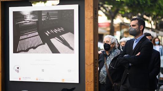 Una exposición en el Paseo invita a una 'Catarsis' con obras de Indalo Foto