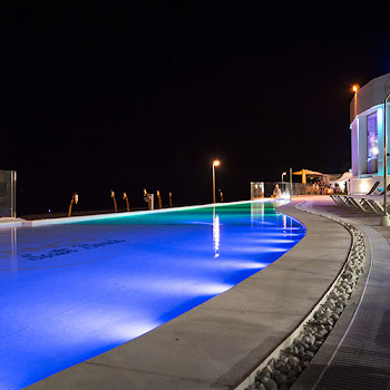 lumières de la piscine onhotel