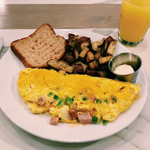 my Denver omelet, breakfast potatoes and gf toast! So so so yummy!