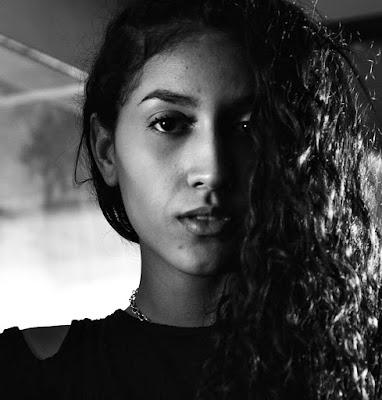 Ritratto femminile  di selena_corsellini