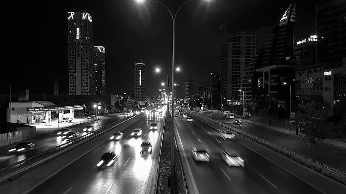 La frenetica vita di un'arteria di città di MWALTER
