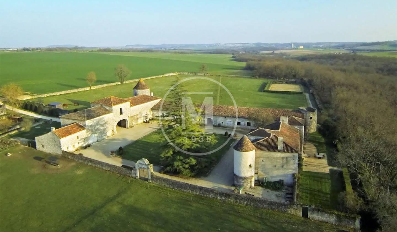 Manor Angouleme